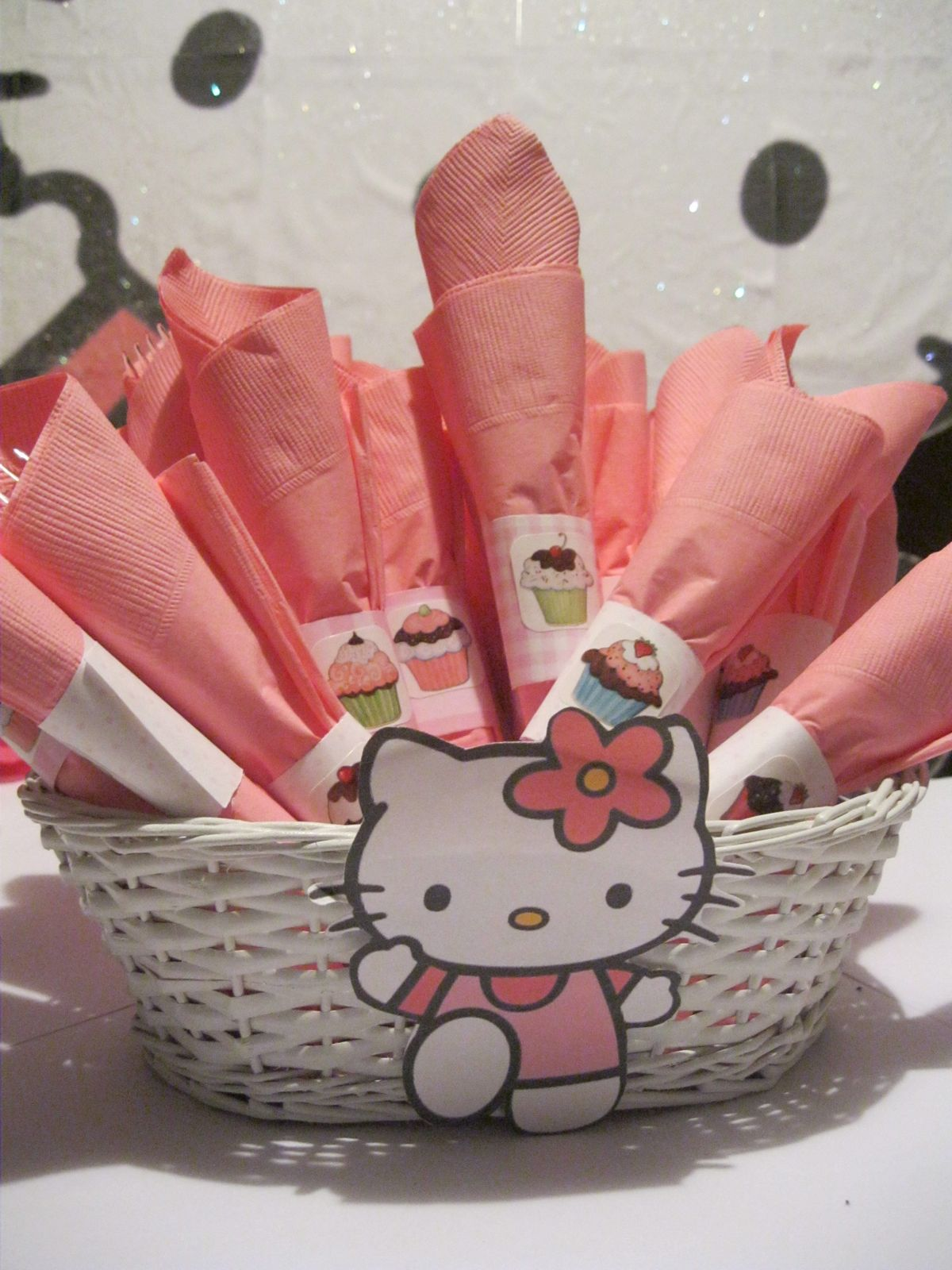 Cute And Sassy Designs By Bonnie Cute Hello Kitty Centerpieces