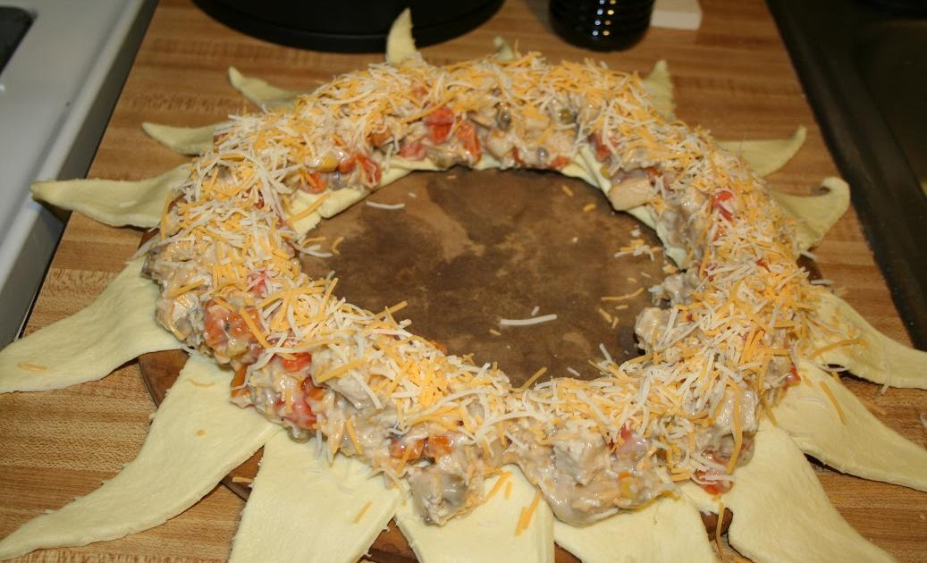 Stamp Me: Yummy! Crescent Roll Wreath Recipe