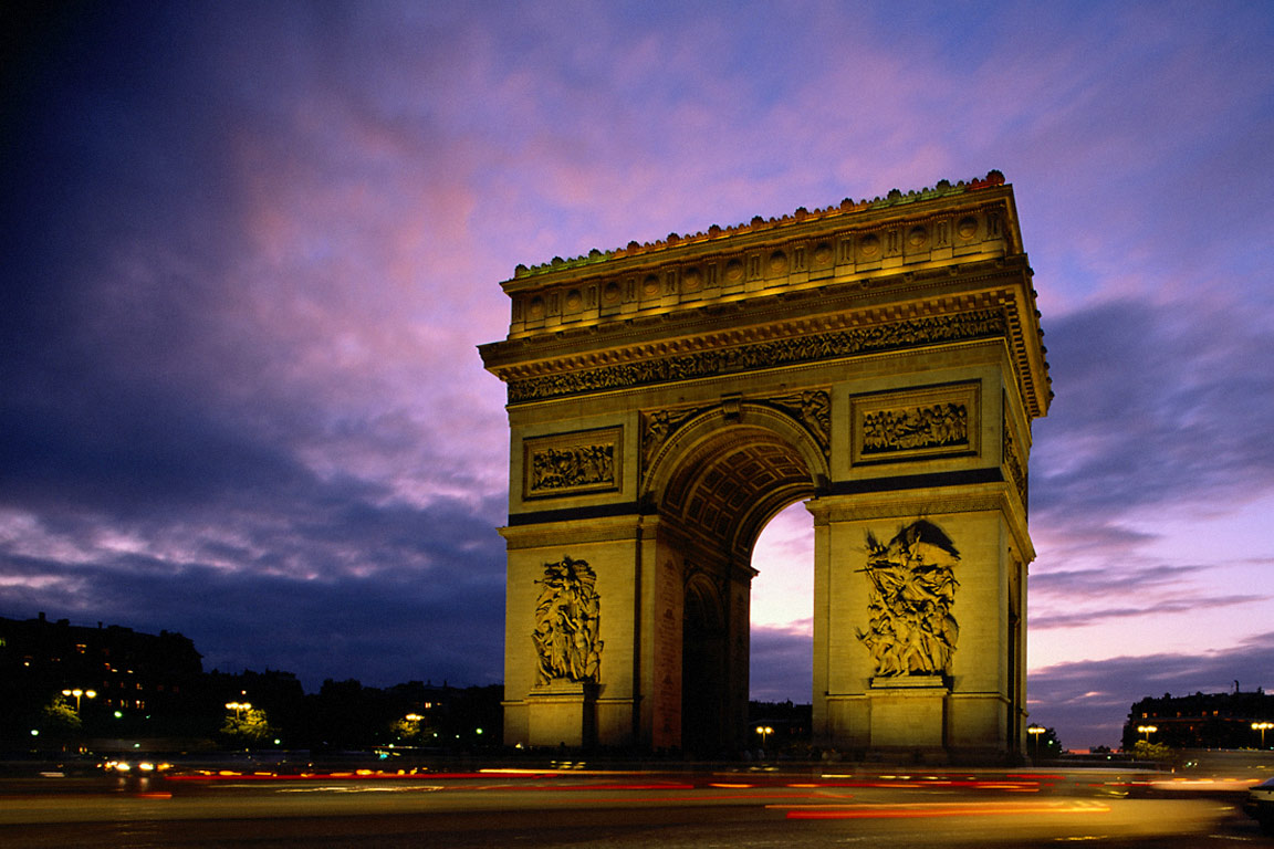 Arc_de_Triomphe_at_Evening%2C_Paris%2C_France.jpg (1152×768)