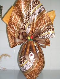 Ovo com meia casca recheada de Ferrero Roche e meia recheada de Sensação