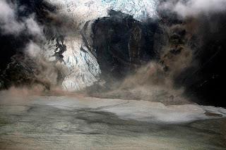 Letusan Gunung di Islandia 5