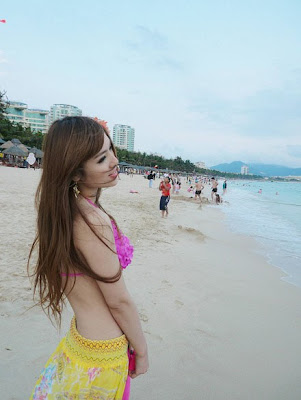 Zhu Songhua Sexy Bikini on Beach