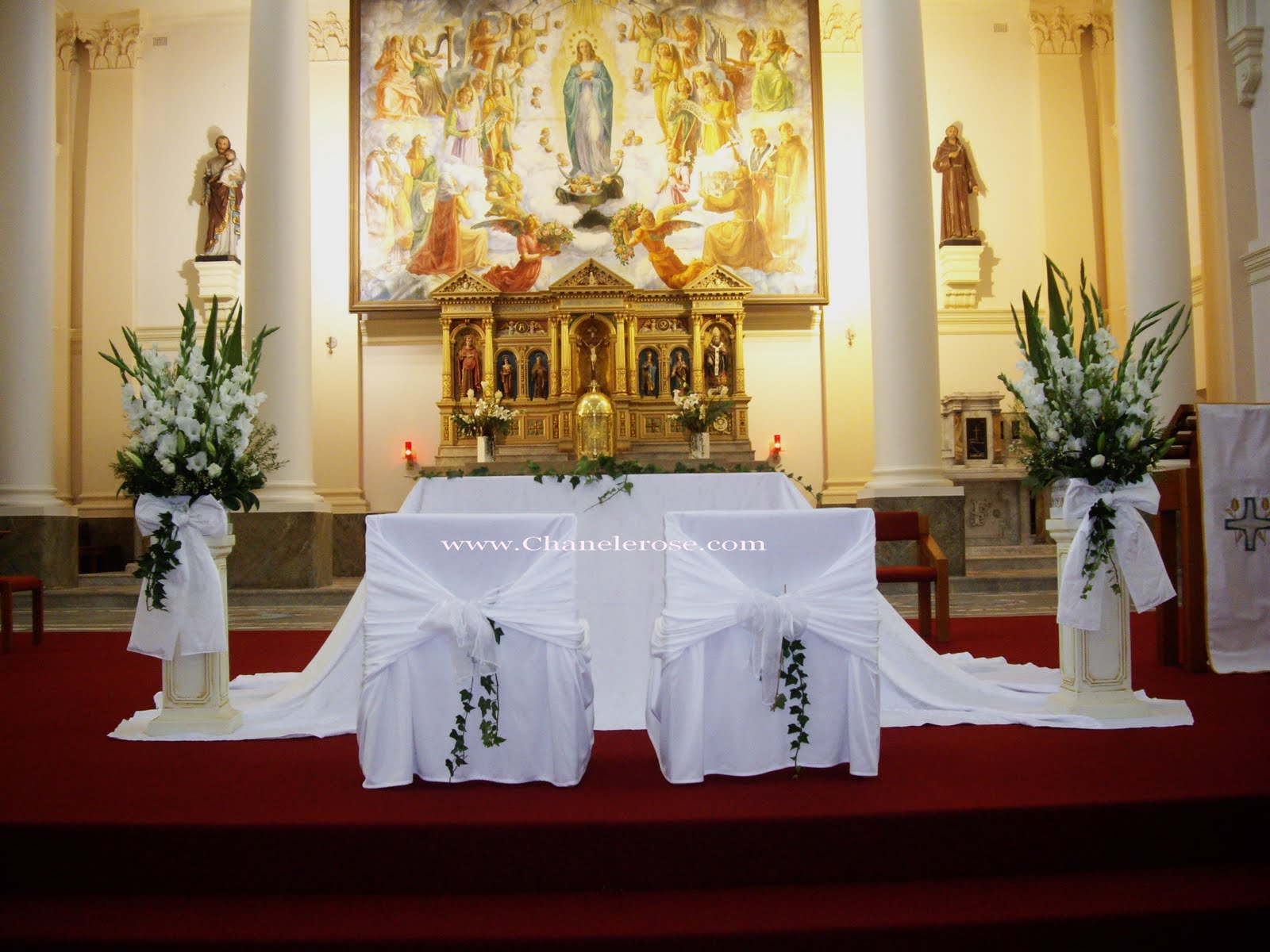 Wedding decorations for church pews romantic decoration for Altar wedding decoration