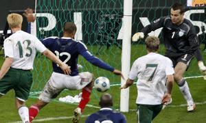 Mano de Henry video del gol con la mano de Francia gol de Henry con la mano Thierry Henry