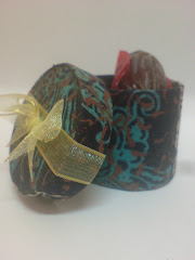 Batik round box for 2pcs