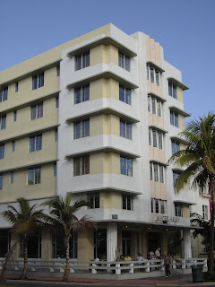 places to go buildings to see winter haven hotel miami beach florida. Black Bedroom Furniture Sets. Home Design Ideas