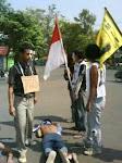 Aksi Mewarnai Pelantikan Anggota DPRD Kab. Subang 2009