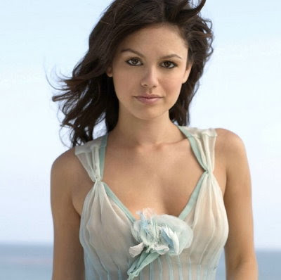 rachel bilson hayden kiss. Bilson grew up