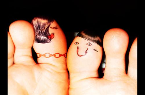 "finger love III by danaOhara+chethstudios.net 45 Gorgeous ""Smiley Fingers"" Photographs"