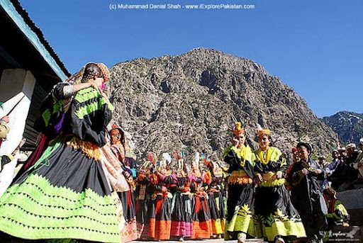 Kalasha+people+in+Bumboret+Valley The Beauty of Pakistan: 70 Amazing Photographs