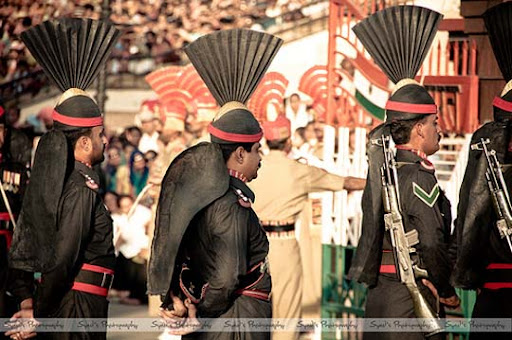 Pakistan India+Wagah+Attari+Border Flag+Closing+Ceremony The Beauty of Pakistan: 70 Amazing Photographs