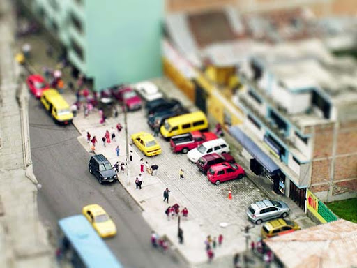 fake+model+quito 50+ Beautiful Examples of Tilt Shift Photography