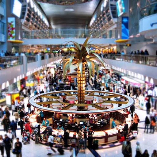 Dubai+International+Airport 50+ Beautiful Examples of Tilt Shift Photography