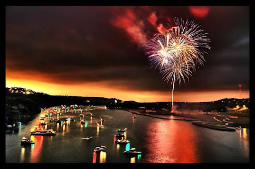 The+Bombs+Bursting+In+Air 60+ Jaw Dropping Examples of Fireworks Photography
