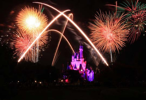 Disney+Castles+and+Fireworks 60+ Jaw Dropping Examples of Fireworks Photography