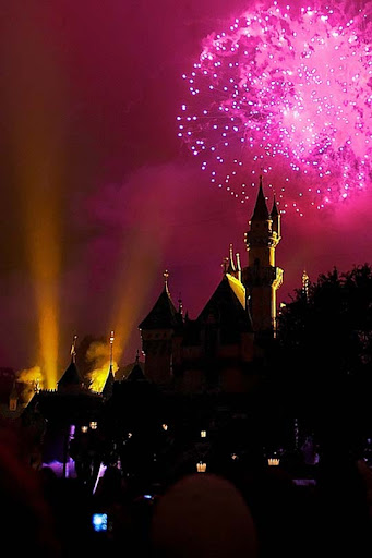 Disneyland 60+ Jaw Dropping Examples of Fireworks Photography