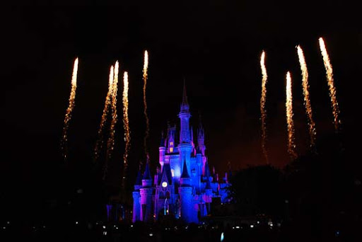 The+Magic+Kingdom+5 60+ Jaw Dropping Examples of Fireworks Photography