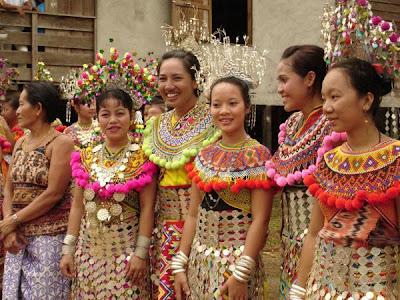 Pakaian Tradisional Iban(Perempuan)