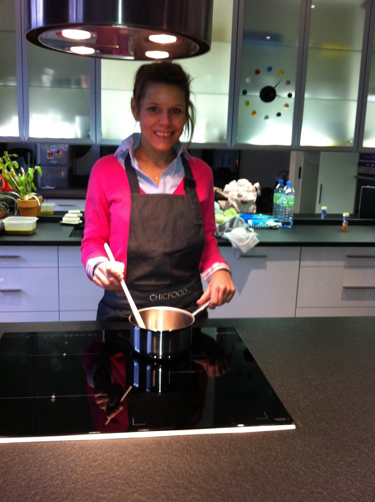 Cucina by maud m la cuisine de maud dans la cuisine de laura tenoudji alias laura du web - Laura du web salaire ...