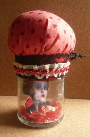 Carmen Wing - Whoopidooings - Queen of Hearts Pin Cushion