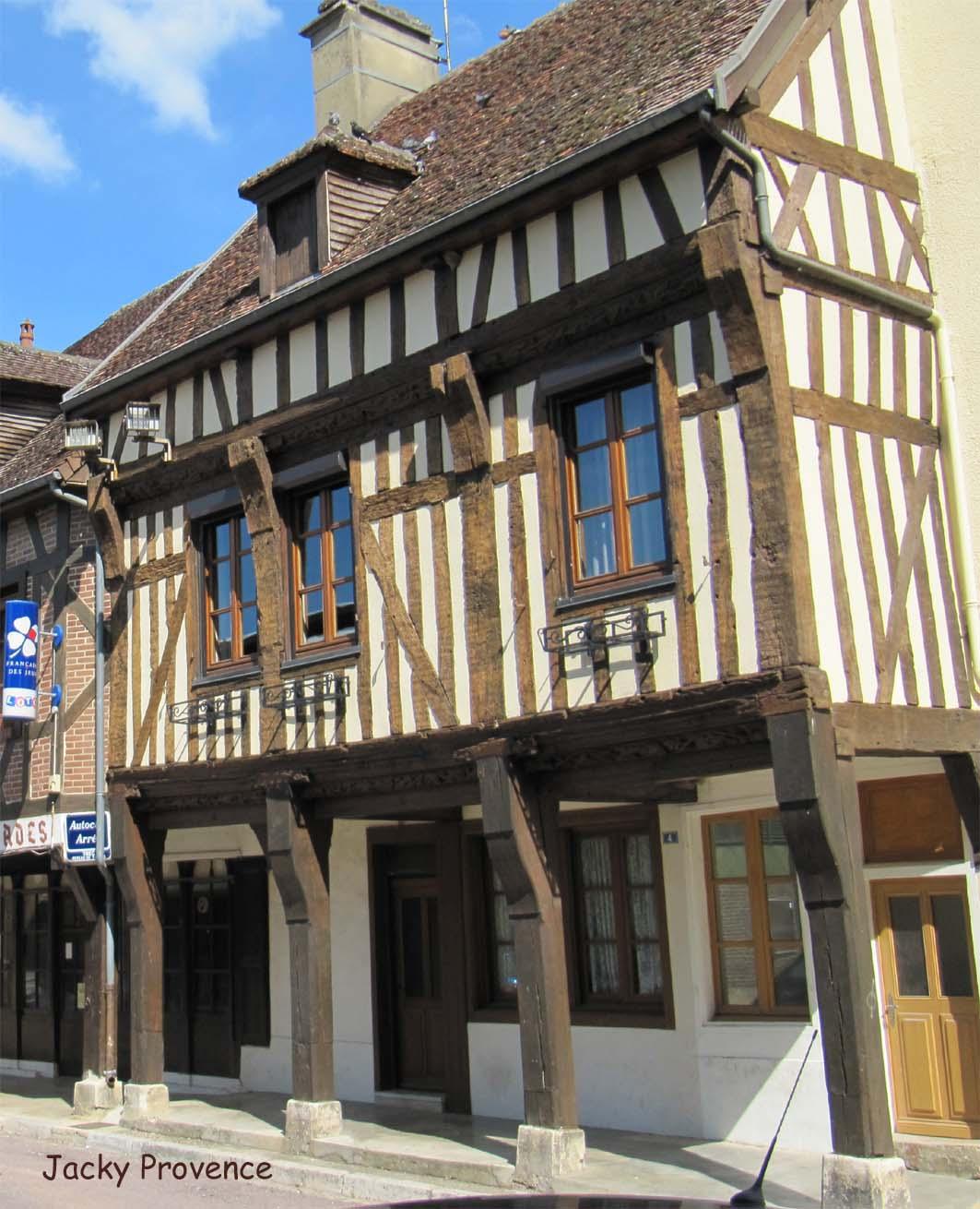 Troyes et la champagne m ridionale histoire et patrimoine for Aux maisons maison les chaources
