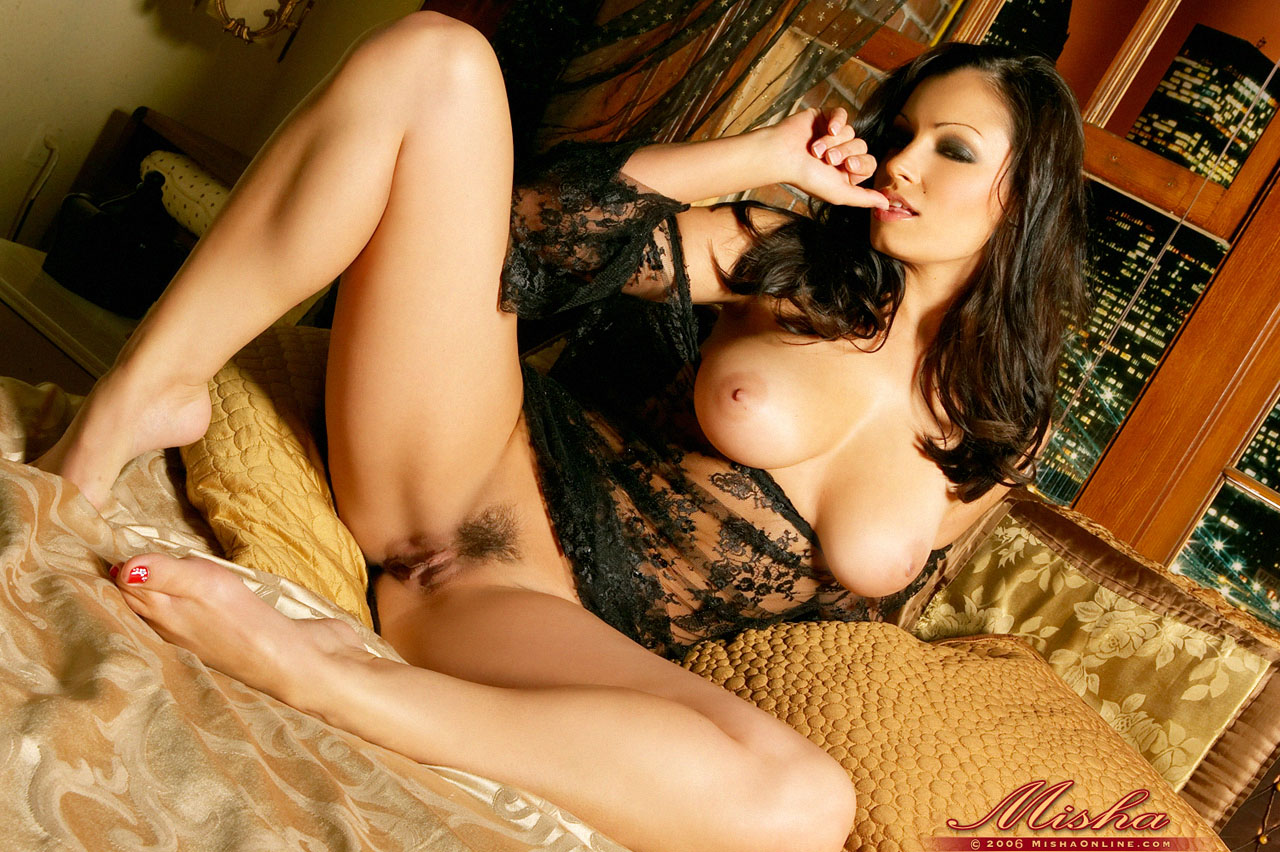 Aria giovanni over a bed of roses 8