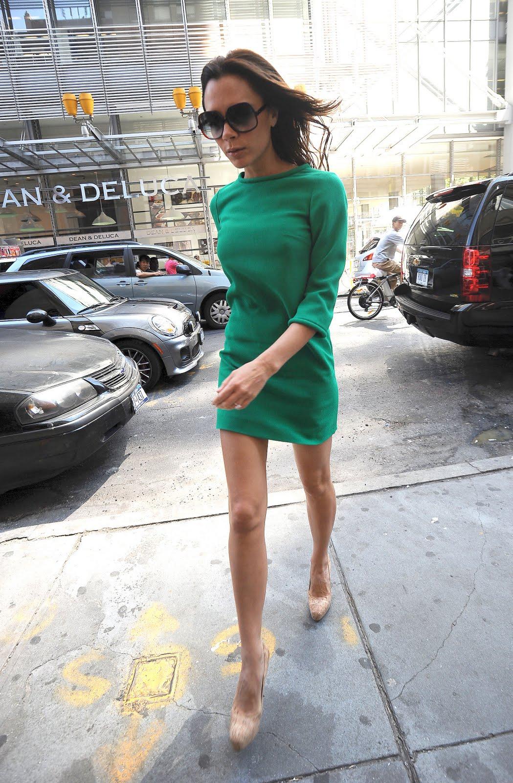 http://2.bp.blogspot.com/_5wt45Sgxoi8/TIno4wTH-TI/AAAAAAAAB2g/c7niYMXwPV0/s1600/victoria_beckham_legs_4.jpg