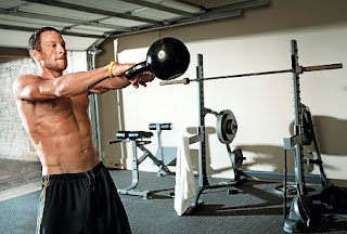 Lance Armstrong kettleball routine