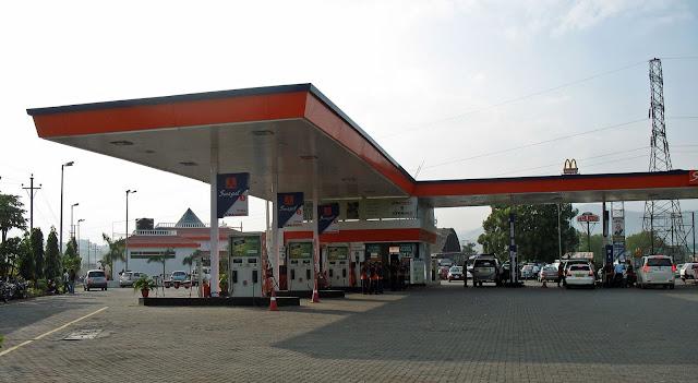 petrol pump on expressway