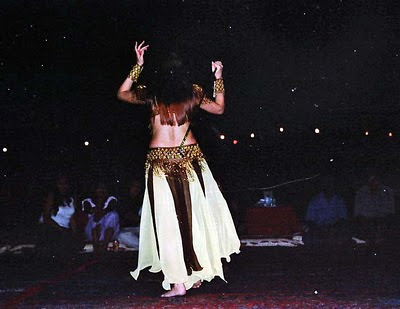 belly dancer dancing