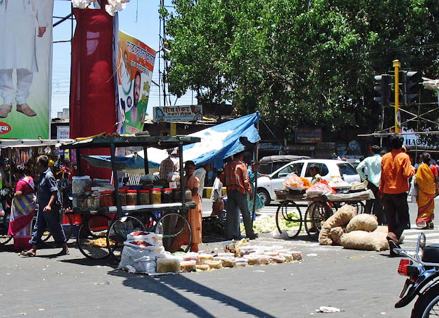 street market in Pune