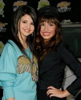 Demi Lovato Selena Gomez Pics