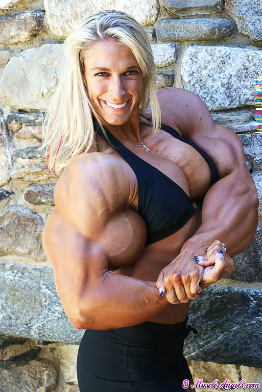 Sample221Q0810 female muscle morph Busty Camwithher Carmen webcam