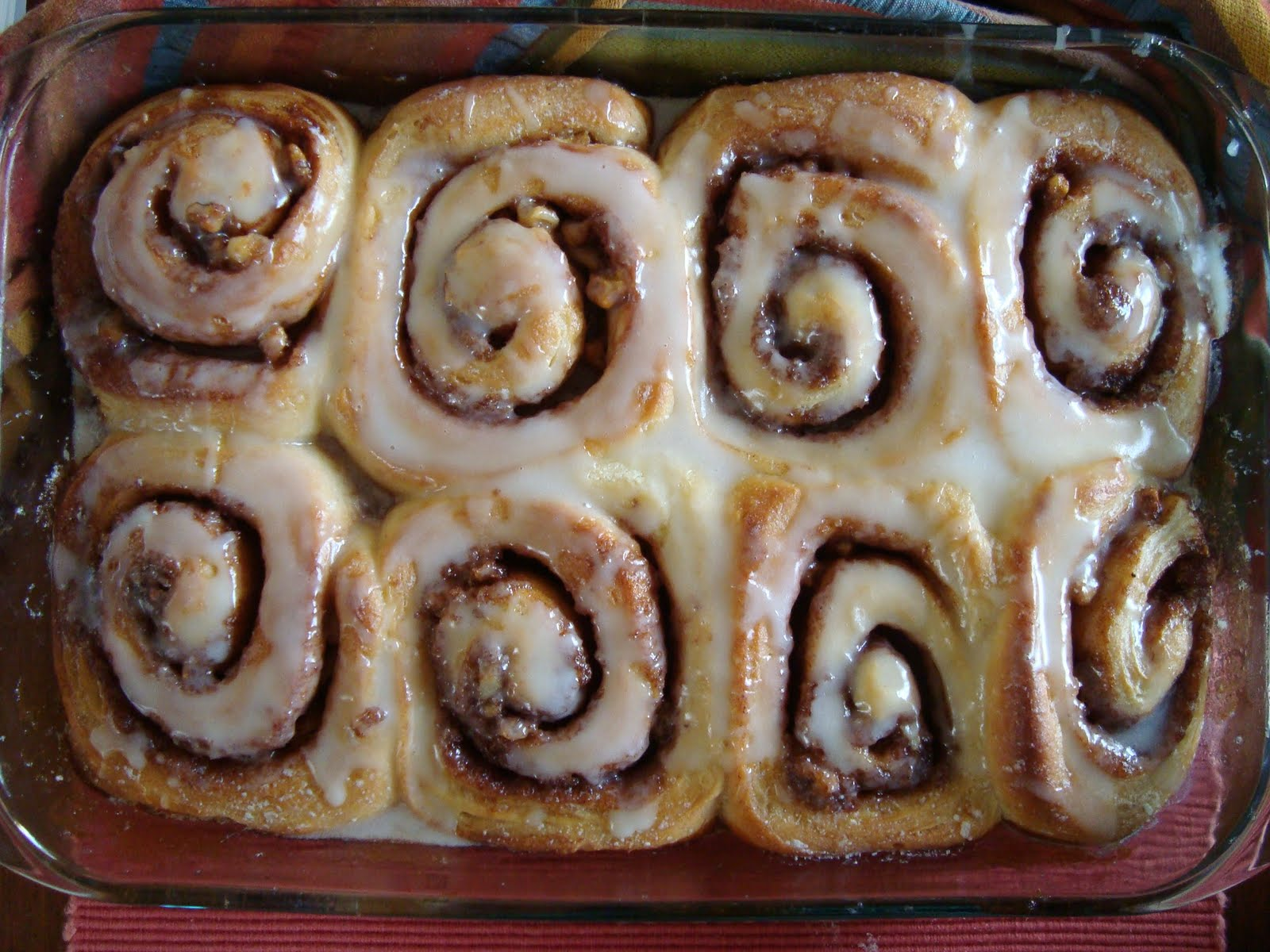 ... rolls pages it comes to breads rolls cinnamon rolls with cream