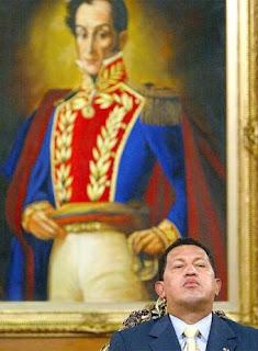 """Raúl acusa a Obama de tentativa de """"desestabiliziación"""" y... Hugo_Chavez_retrato_Simon_Bolivar"""