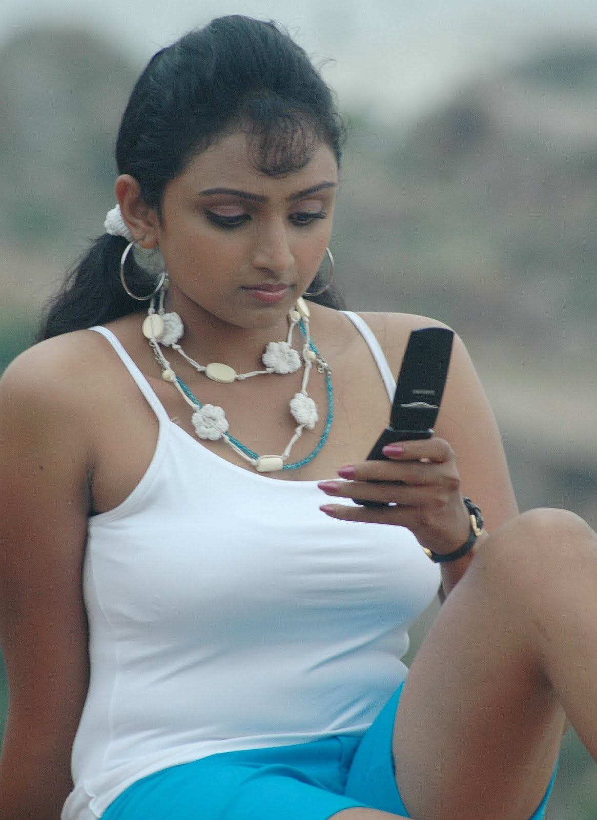 waheeda spicy in white shorts in thakita thakita hot images
