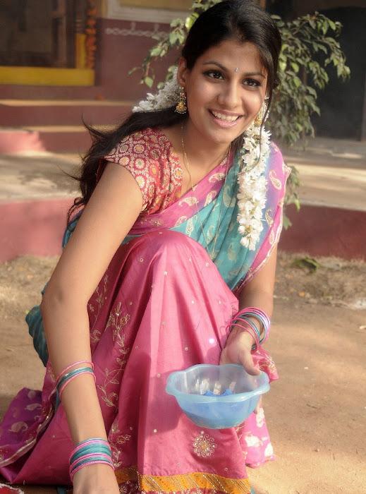 sherya dhanwanthary in saree beautifull look hot photoshoot