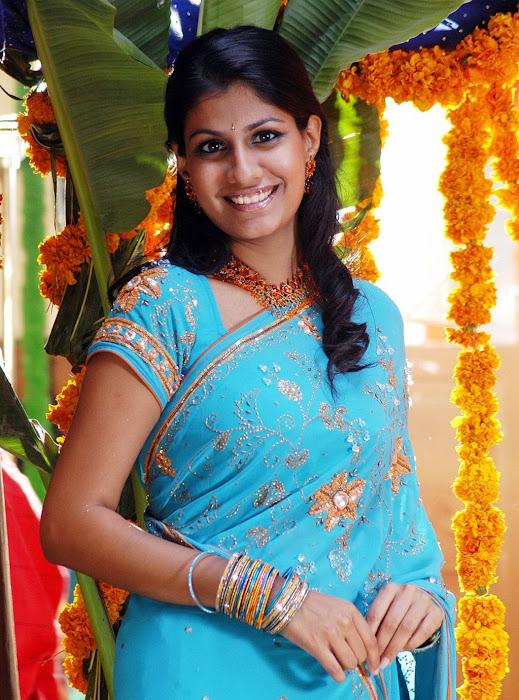 sherya dhanwanthary in saree beautifull look latest photos