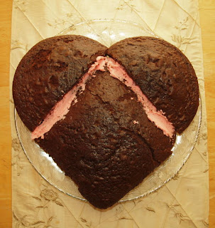Valentine's Day Dessert: How To Make a Heart Shaped Cake
