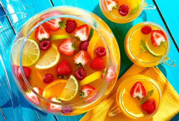 Hoy invito yo tragos de verano c mo preparar el cleric perfecto - Como hacer coctel de frutas ...