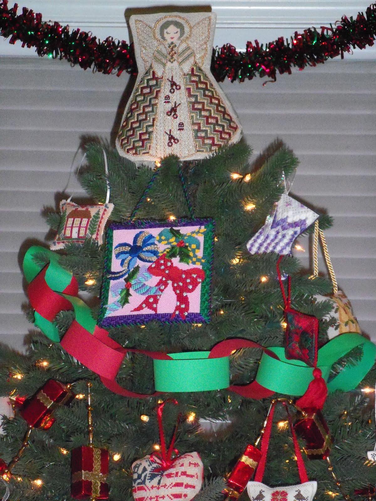 Gay Ann Rogers Tree Top Angel. Ecru 18 ct mesh with gold flecks