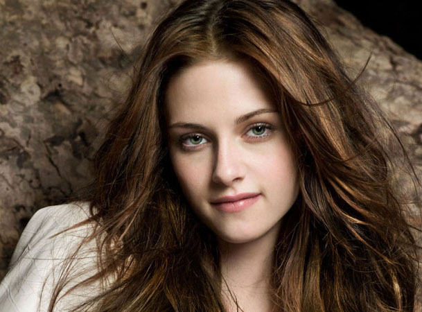 does bella and edward dating in real life