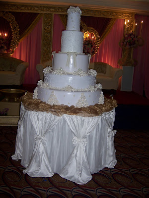 [Image: AB+Wedd+Cake+5+tiers+8.jpg]