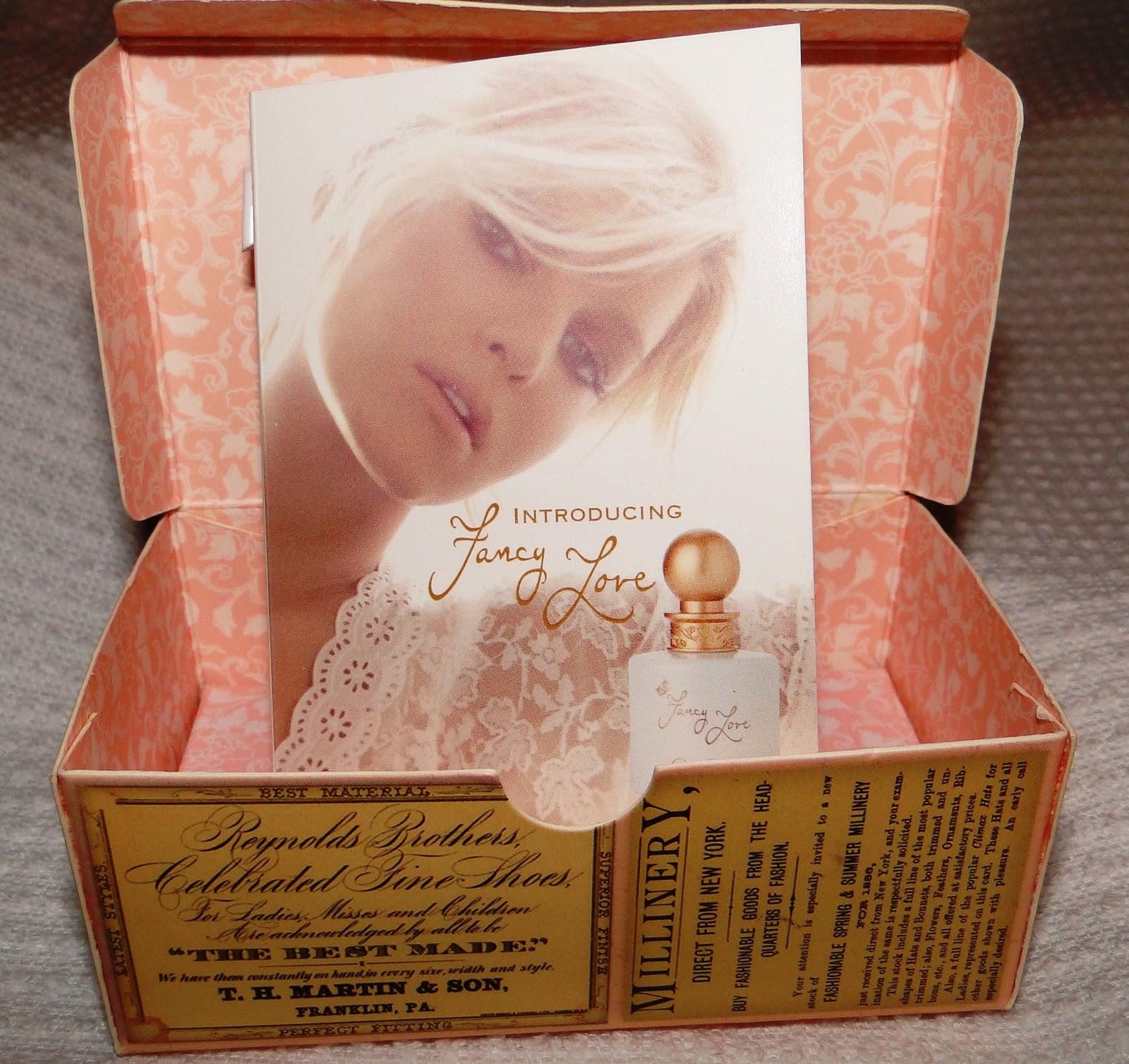 http://2.bp.blogspot.com/_65tjh9qxWP0/TSzhP-2p53I/AAAAAAAAAWE/aRca7i0Mct0/s1600/Perfume.JPG