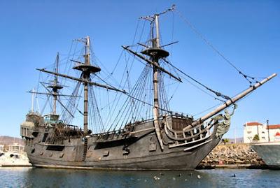 Enbarcaciones y navíos Barco-pirata