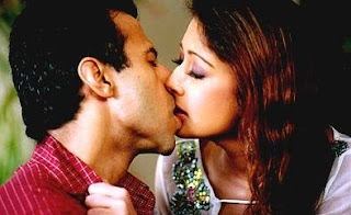 Kiss Videos Of Bollywood