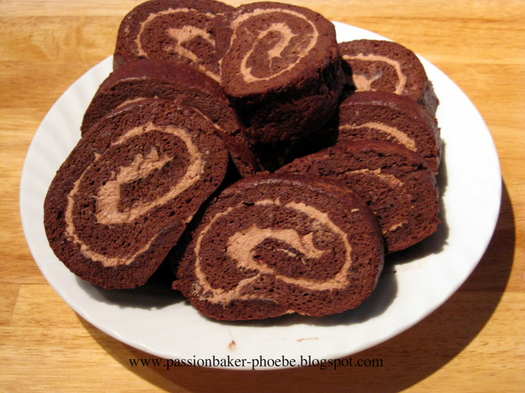 Cream-Filled Chocolate Cake Roll
