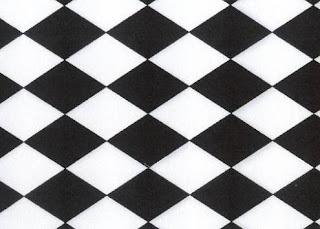 c3cd8cf37579 Hoci kombinácia black white nie je najhorúcejším hitom sezóny