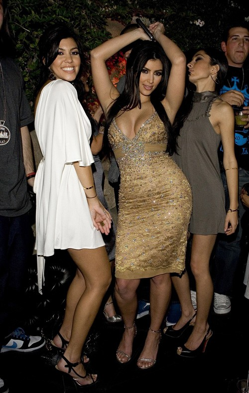 Celebritybuzz Us Kim Kardashian Unstoppable Hot Pictures Wallpapers 20