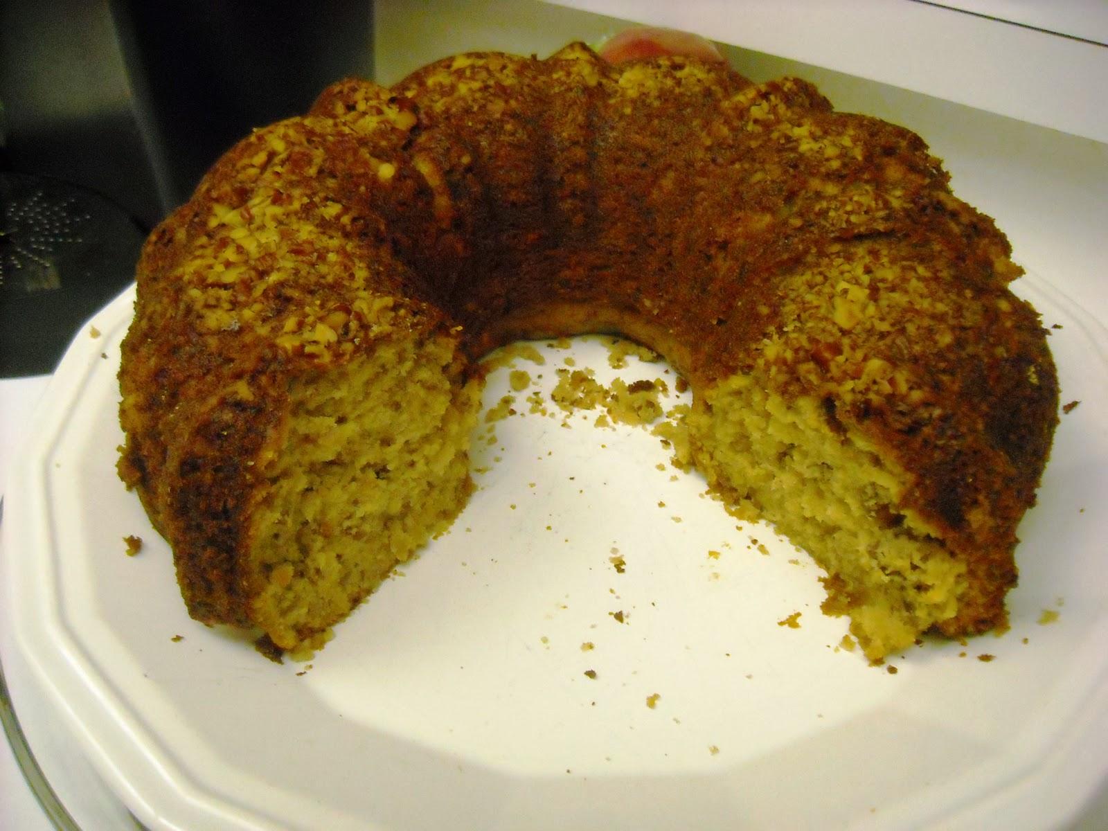 Artfully Graced: Southern Praline Pecan Cake